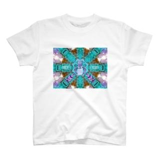 カンボジアの番人 T-shirts