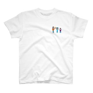 サッカー大好き三姉妹 T-shirts