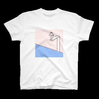 Gu-nishi storeの飛び込もうとするひと T-shirts