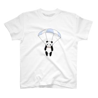 空飛ぶパンダ T-shirts