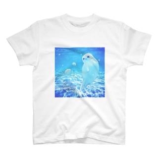 沖縄の海とアザラシ T-shirts