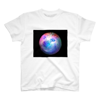 Globe22b/For a round heart T-shirts