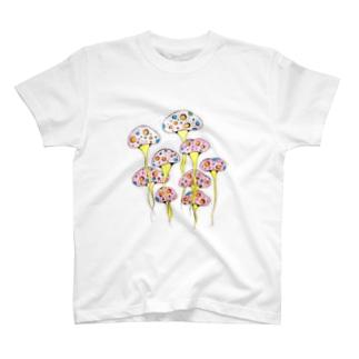 お旅立ちきのこ① T-shirts