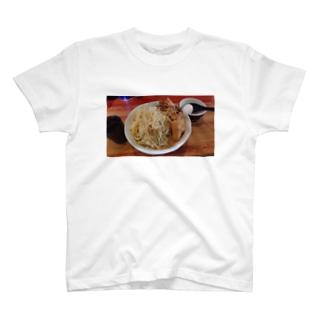 豚小 T-shirts