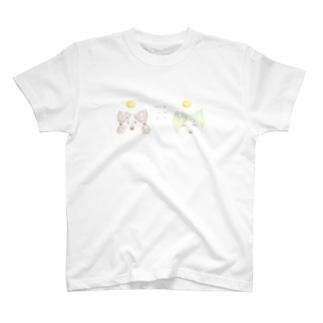 女の子目玉焼きのせ T-shirts
