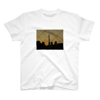 The silhouette of Tokyo Tower T-shirts