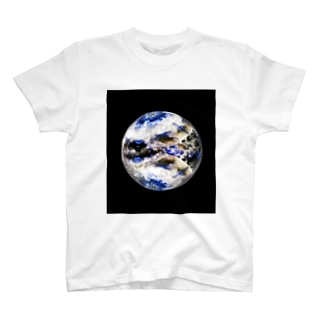 Globe19/For a round heart  T-shirts