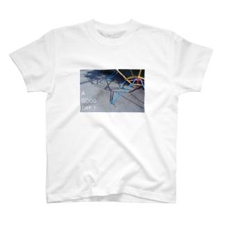遊具と影 T-shirts