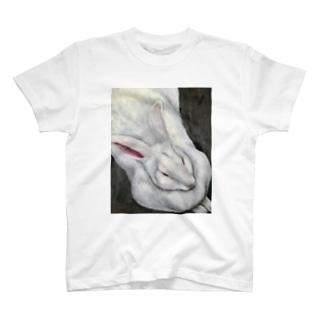 ジャンボうさぎf T-shirts