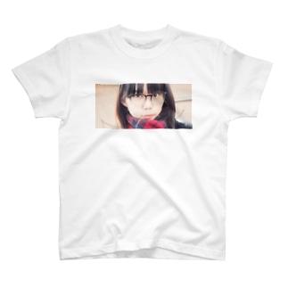 見てる T-shirts
