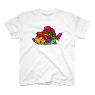 犬金魚 T-shirts