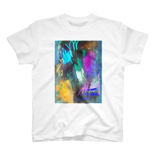 紫の夫人が大根を呼んでる T-shirts