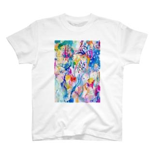 カバは南国の川を行く T-shirts