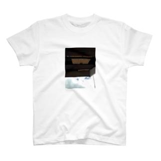 街角簾tee T-shirts