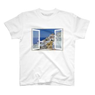 どこでも窓 エーゲ海サントリーニ島 T-shirts