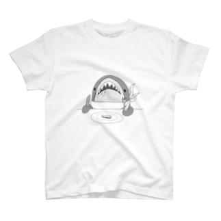 スペシャルごはん サメさん T-shirts