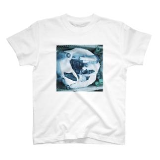 酒屋の裏 T-shirts