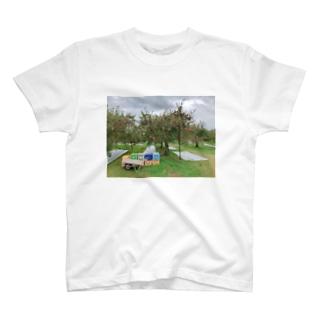 りんご農家の仕事場 T-Shirt