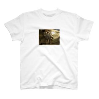 キンキラにさりげなく T-shirts