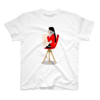 ウサギと女の子 T-shirts