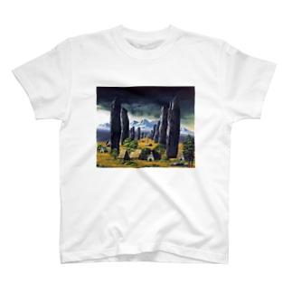 カラニッシュ・石の十字架 T-shirts