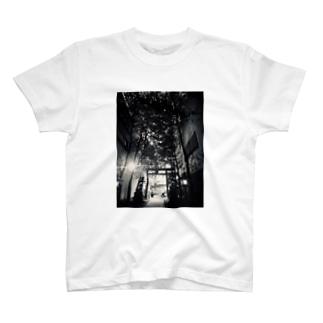 花園神社 T-shirts