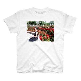 バラ園 T-shirts