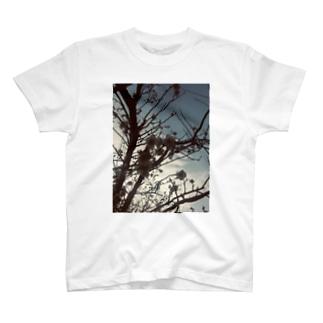 花のある暮らし T-shirts