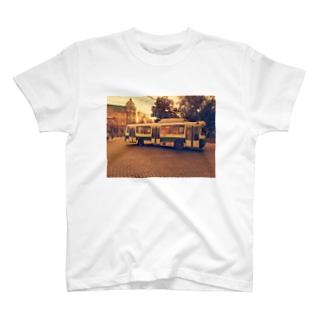 ウクライナのトロリーバス T-shirts