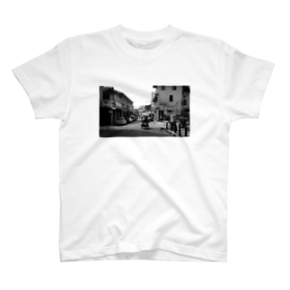 東南アジアまち歩き〜ペナンの物売り T-shirts
