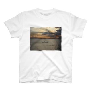 マニラ湾 T-Shirt