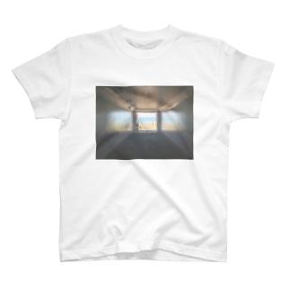 癒しの風景(海への入口) T-shirts
