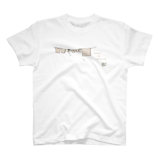 ねこと洗濯物(Peace be with you) T-shirts