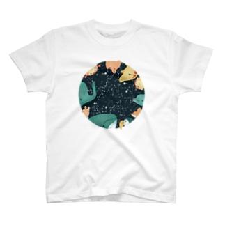天体観測 T-shirts