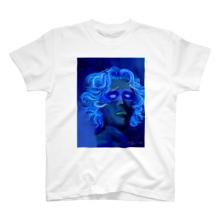 「ひとはみな自分にしか見えない宇宙を通して世界を視ている。そして宇宙が青いのは真実で出来ているから」 T-shirts