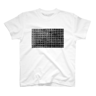 ブラックタイル T-shirts