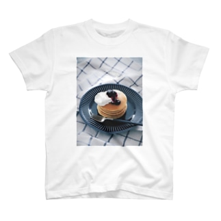 甘いクリームを添えた、ホットケーキ。 T-shirts
