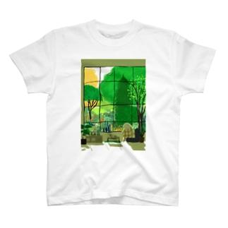 春眠 T-shirts
