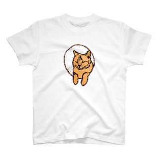 穴からのネコ T-Shirt
