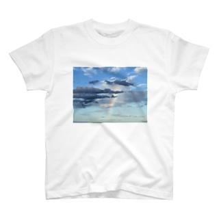 綺麗な景色Tシャツ 虹 T-Shirt