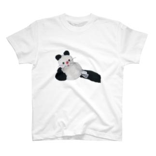 黒靴下の猫ちゃん T-shirts