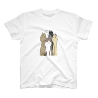 どん T-shirts
