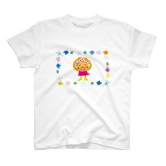 クレコちゃん貝殻拾いに浜辺のお散歩 T-shirts