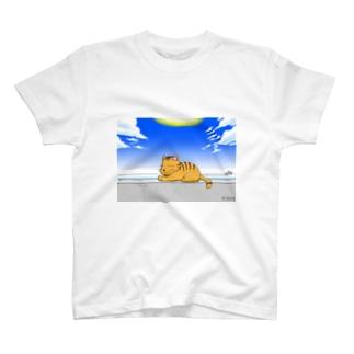 防波堤のネコ T-shirts