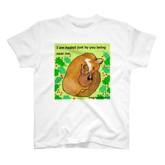 キツネとウサギの友情 T-shirts