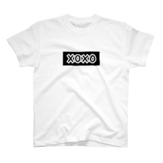 XOXOロゴ 缶バッジ T-shirts