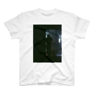 立ちションTシャツ T-shirts