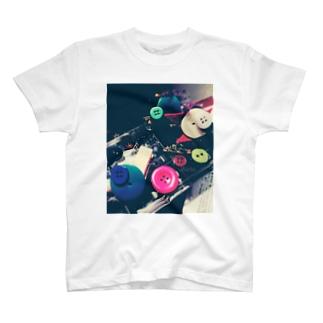 Richi.レトロボタンカラフル T-shirts