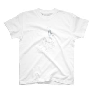 どこかの庭の天翅 T-shirts