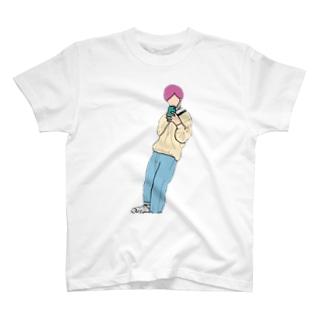 BOY 。 T-Shirt